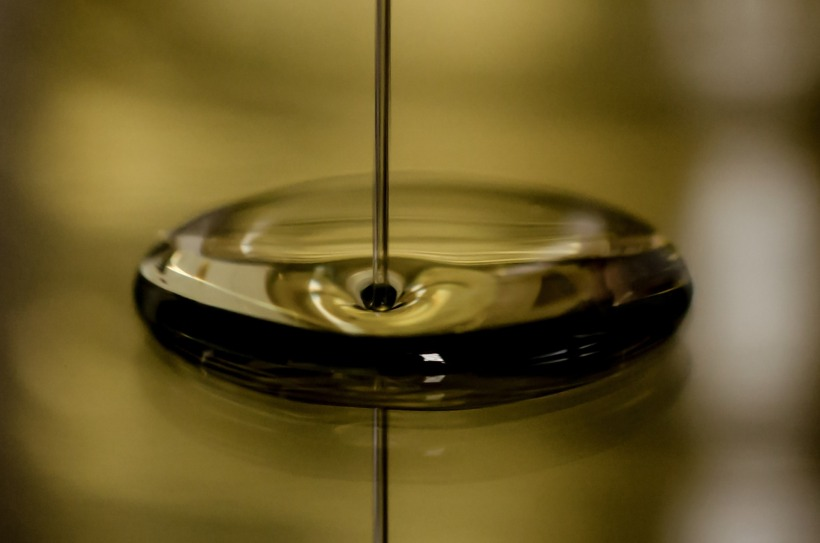 Filet d'huile de moteur